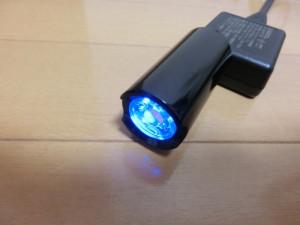 ギザプロダクツ ライト CG-123P 充電中