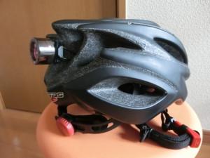 キャットアイ ライト ヘルメットに装着