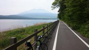 山中湖 サイクリングロード 富士山