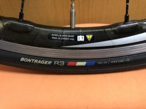 ボントレガー R3 タイヤ